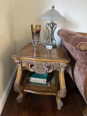 Beautiful antique end table for Sale in San Mateo, CA