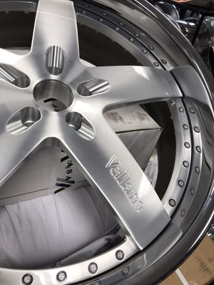 "All new 24"" Vellano wheels rims tires 5x120 5x4.75 bolt pattern for Sale in Cicero, IL"