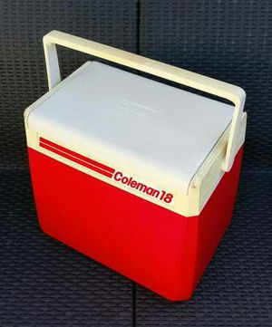 Vintage Coleman 18 Qt personal portable lunch box hand cooler ice chest with handle & flip top for Sale in San Mateo, CA