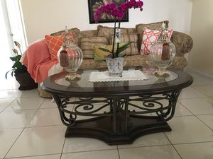 Coffee table for Sale in Winter Haven, FL
