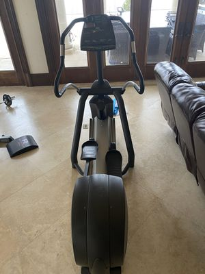 Precor EFX 549 Elliptical for Sale in Gallatin, TN