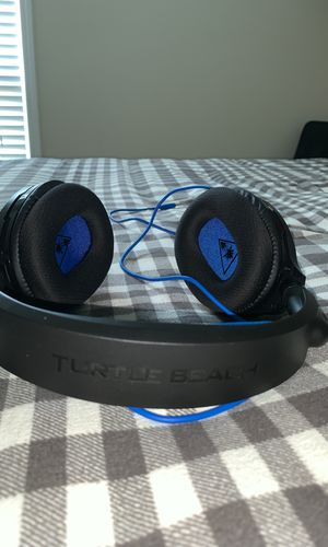 Turtle beach ps4 headset for Sale in Holly Springs, NC