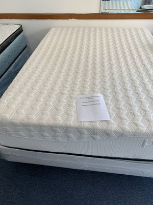 We have all sizes memory foam twin full queen and king mattress for Sale in Prospect Heights, IL