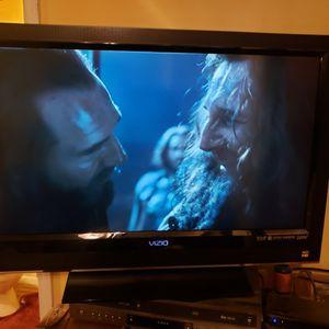 32 Inch Vizio HDTV Works Nice, No Remote for Sale in Danville, PA