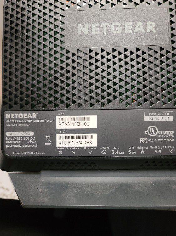 Netgear Nighthawk Cable Modem Wi-Fi Router Combo C7000 V2