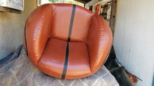 Kids basketball swivel barrel chair, and matching footrest good condition, no tears for Sale in Lake View Terrace, CA