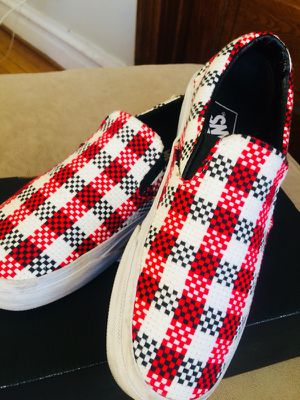 VANS - Knit slip ons for Sale in Chicago, IL