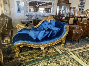 Elegant antique style chaise lounge sofa for Sale in Hallandale Beach, FL