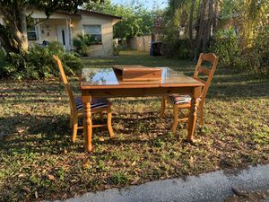 Free Dining table for Sale in St. Petersburg, FL
