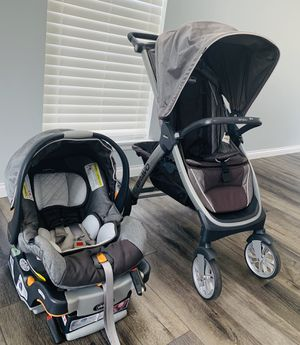 Chicco Bravo trio travel sistem stroller with car seat and base for Sale in Aurora, IL