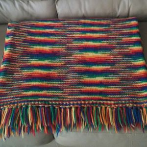 Hand Knit Fringed Lap Throw Blanket/Like New for Sale in Gaithersburg, MD
