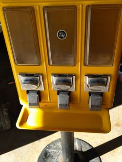 XYZ Vending Machine for Sale in Houston,  TX