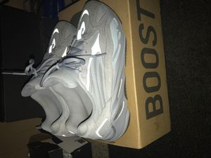 YEEZY 700 V2 HOSPITAL BLUE🏌🏾♀️ for Sale in Youngtown, AZ