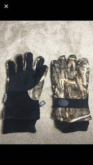 Thick Camo Gloves for Sale in Arlington, VA