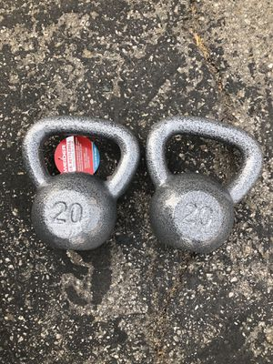 20lb kettlebell (pair) for Sale in Pico Rivera, CA