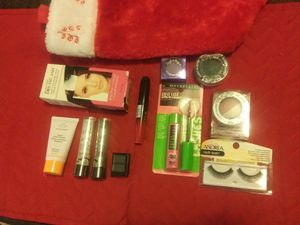Miscellaneous Makeup With Stocking for Sale in Ada, OK