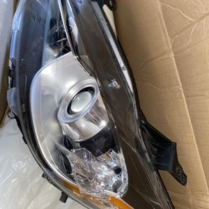 Left Headlight For Mazda CX-5 for Sale in Brooklyn, NY