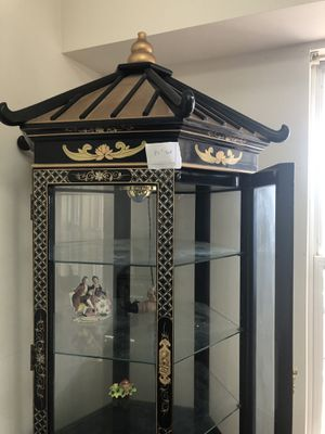 china cabinet - chinees black lacquer with mother of pearls for Sale in Alexandria, VA