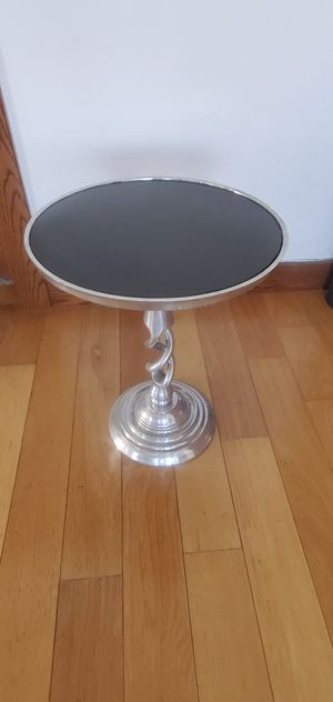 End Table for Sale in Long Beach, CA