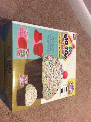 Big top cupcake silicone bakeware for Sale in Springfield, VA
