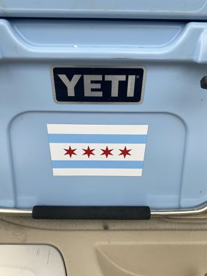 Yeti cooler yeti 20 blue Chicago flag decal excellent condition can be scrubbed and sanitized prior to purchase handle in excellent condition drain for Sale in Hinsdale, IL