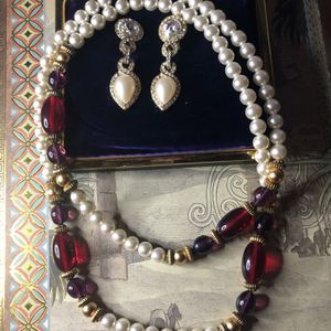 Costume Christmas Jewelry Necklace Pearl Earrings for Sale in Los Angeles, CA