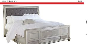 Slightly used ,great condition Queen bed,Queen hybrid mattress & coffee table for Sale in HALNDLE BCH, FL