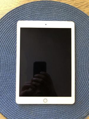 iPad Air 2 for parts for Sale in Los Angeles, CA