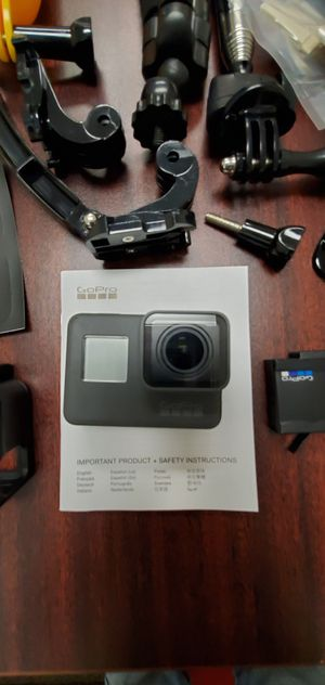 GoPro Hero 5 w/2 Batts, 64mg chip and Adventure Kit! $189!! for Sale in Stuart, FL