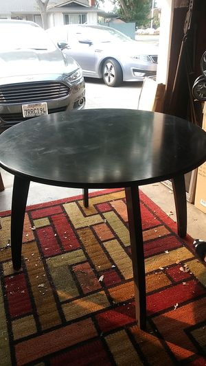 Small kitchen table for Sale in Union City, CA