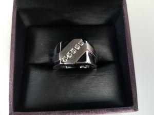 Mens 10k white gold diamond wedding ring. for Sale in Orlando, FL