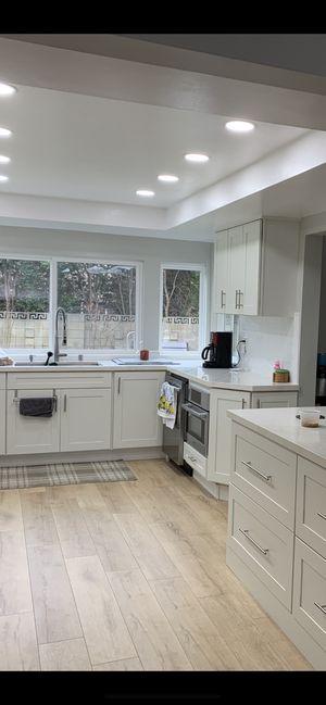 Laminate Wood Floor for Sale in Garden Grove, CA