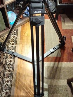 T58 Professional Video Tripod. With H22 DV Head for Sale in North Versailles,  PA