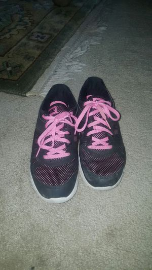 Nike shoes for kids size 2 and 1/2 for Sale in Renton, WA