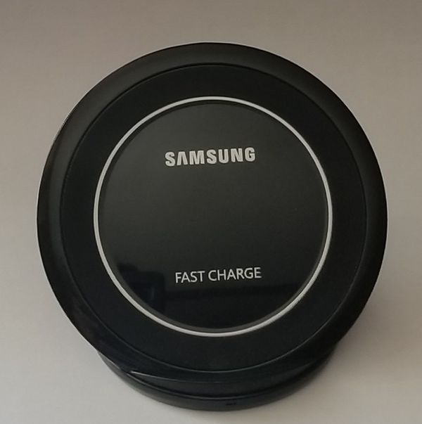 Original Samsung Fast Charge Qi Charging Pad for Galaxy Smartphones