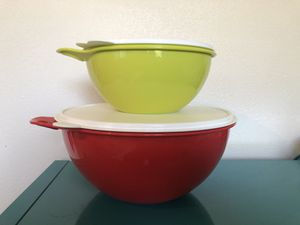 Tupperware large storage container bowls for Sale in Winter Garden, FL