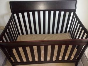 Baby Crib oak wood for Sale in District Heights, MD
