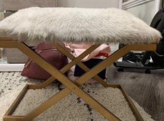 White Fur&Gokd Bench/Ottoman for Sale in Atlanta,  GA