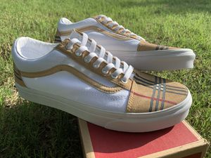Men Burberry custom old skool white vans for Sale in Duncanville, TX