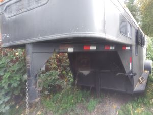 🐎 1988 gooseneck horse trailer 🐎 for Sale in Renton, WA