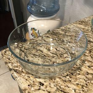 Pyrex bowl for Sale in Perris, CA