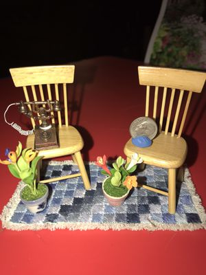Miniatures: Wooden Chairs , Potted Flowers 🌺 , Rug, Telephone 📞 for Sale in Covington, LA