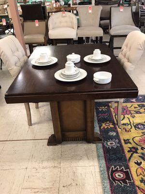 Table and chairs for Sale in Oklahoma City, OK