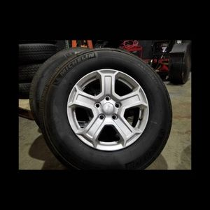 "17"" Wheels And Tires Oem Jeep Wrangler for Sale in Hialeah, FL"