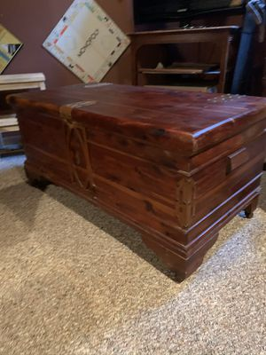 Cedar Hope Chest for Sale in Hampshire, IL