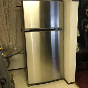 Kenmore Refrigerator Stainless Steel for Sale in Jacksonville, FL