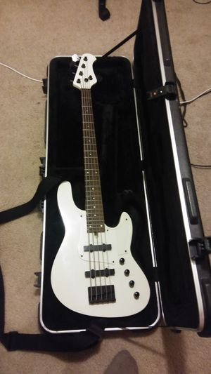 Unnamed 5 string active jazz bass guitar for Sale in Auburn, WA