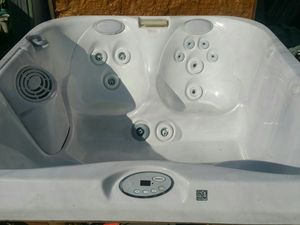 **Rect Jacuzzi spa for 4 ** for Sale in Los Angeles, CA