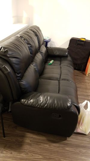 3 seater sofa for Sale in Milpitas, CA
