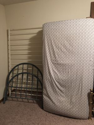 Twin bed frame, box spring and mattress for Sale in Welch, MN
